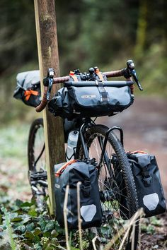 Ideal for multiday tours and self-supported races, the ORTLIEB Gravel-Pack duo offers you a combined payload of 25 liters for additional gear such as mess kits Rando Velo, Bike Packing, Fat Bike, Touring Bike, Men Wear, Camping Equipment, New Adventures, Day Tours, Rotterdam