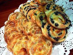 """Самые вкусные рецепты: Французские булочки Ингредиенты: готовое слоеное дрожжевое тесто изюм 200 грамм коньяк или в ликер """"Куантро"""" 0,5 литра молока 100 грамм сахара 0,5 чайной ложки ванильного сахара 1,5 столовых ложки муки 2 яйца Сироп: 1/2 стакана воды 1/2 стакана сахара"""