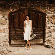 Bavarian bride www.tianvantastique.com #feschsamma #bridalhair #dirndl #hochzeitsdirndl #trachtenbibel #zwischentüllundtränen #voguestyle…
