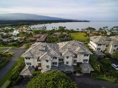 Luxury real estate auction specialists Concierge Auctions just announced the auction of a penthouse condo at beachfront Kolea at Waikoloa Beach Resort for