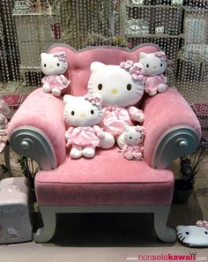 da4eefbce38c hello-kitty pink-armchair Hello Kitty House