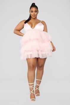 Curvy Women Fashion, Plus Size Fashion, Womens Fashion, Plus Size Dresses, Plus Size Outfits, Plus Sise, Modelos Plus Size, Plus Size Model, Plus Size Womens Clothing