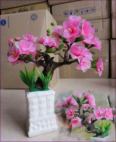 hoa voan - Google'da Ara Nylon Flowers, Beaded Flowers, Silk Flowers, Fabric Flowers, Colorful Flowers, Dried Flower Arrangements, Dried Flowers, Flower Vases, Fabric Flower Tutorial
