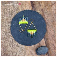 Macrame and miyuki delica graphic earrings. Neon yellow, gold and midnight blue. © Natacha Fayard   #miyuki #delica #earrings #graphic #triangle #losange #macrame #MicroMacrame #neon #yellow #gold #blue #midnight #etsy #jewelry