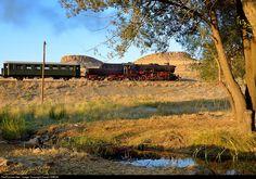 56 548 TCDD Steam 2-10-0 at Between Kayseri and Adana, Turkey by Daniel SIMON