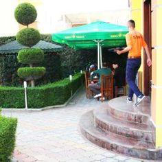 Stafi-ne-Hotel-Union-ne-Kamez,-Tirane,-Shqiperi  http://hotelunion.al/garden-2/