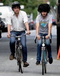 the hair-met, Flight of the Conchords