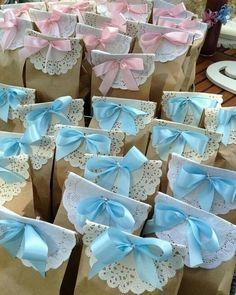Simples sacos de pão, podem se transformar em lindas lembranças. Inspiração via #pinterest. #festainfantil #maedemenina #maedemenino…
