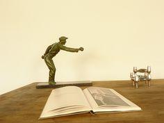 statuette de joueur de pétanque - maisonsimone.com #décoration #intérieur #objet #insolite #design #vintage