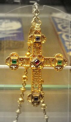 Gold cross designed by William Burges (about 1860) - British Museum