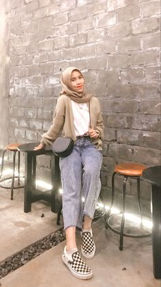 Casual Hijab Outfit, Ootd Hijab, Korean Outfit Street Styles, Hijab Fashion Inspiration, Modest Outfits, Pictures, Clothing, Fashionable Outfits, Bebe