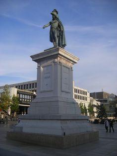 Statue En Bronze, Clermont Ferrand, Statue Of Liberty, Artist, Dit, France, Auvergne, Battle, Earth