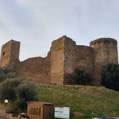 Another #castle many in #tuscany  #toscana #tour #visit #italy region #travel  #nofilter  #happyfriday