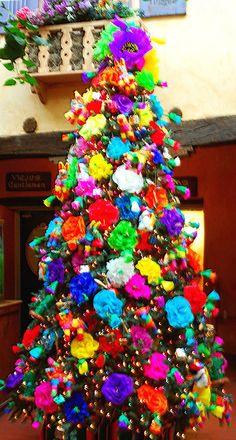 feliz navidad christmas tree in new mexico mexico christmas christmas holidays christmas parties