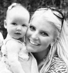 Look how beautiful @JessicaSimpson looks! @WeightWatchers is awesome! Get the details! @Examiner .com