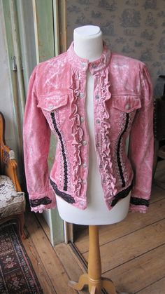 Jacket upcycle- A little retro, but I kind of like it :)