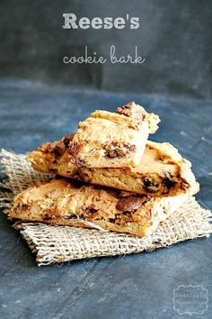 Reese's Peanut Butter Cup Cookie Bark (@{French Press})