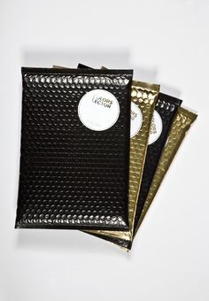 Good packaging is one of the most cost effective ways to build your brand and provide amazing customer experience. Check out these DIY packaging designs. Black Packaging, Shirt Packaging, Box Packaging, Packaging Design, Branding Design, Packaging Dielines, Underwear Packaging, Simple Packaging, Product Packaging