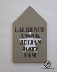 #naambord #huis, sfeervol houten naambord voor bij de #voordeur.