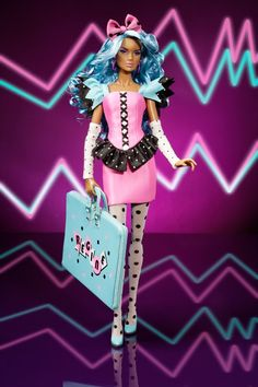 THE FASHION DOLL REVIEW: New JEM AND THE HOLOGRAMS release from Integrity Toys and Hasbro