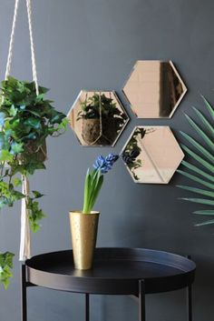 Set of 3 Hexagonal Mirrors - Mirrors - Home Accessories Living Room Decor, Bedroom Decor, Wall Decor, Funky Bathroom, Pub Set, Geometric Decor, Interior Inspiration, Home Accessories, Diy Home Decor