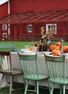 I would love dining here on a beautiful autumn day.