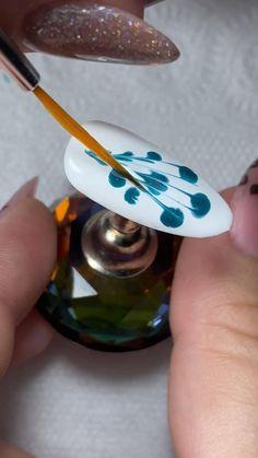 New Nail Art Design, Creative Nail Designs, Elegant Nail Art, Pretty Nail Art, Nail Art Designs Videos, Nail Art Videos, Nail Art Hacks, Nail Art Diy, Cute Acrylic Nails