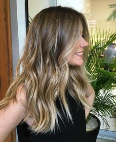 Ideas for hair blonde highlights lowlights ombre balayage Hair inspiration – Hair Models-Hair Styles Golden Brown Hair, Brown Ombre Hair, Brown Blonde Hair, Ombre Hair Color, Hair Color Balayage, Cool Hair Color, Brown Hair Colors, Natural Blonde Balayage, Subtle Balayage