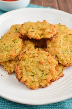 Little Grazers Mini Zucchini Parmesan Lentil Patties - gluten free egg free vegetarian friendly baby led weaning kid friendly finger foods fussy eaters Baby Puree Recipes, Baby Food Recipes, Cooking Recipes, Recipes Dinner, Lentil Recipes, Vegetarian Recipes, Healthy Recipes, Vegetarian Finger Food, Healthy Eats