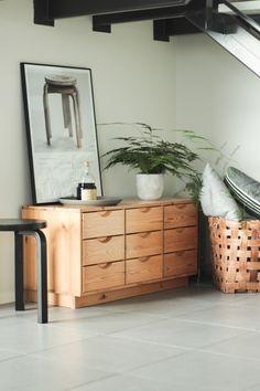 VILLA ILONA: LUNDIALOVE Bedroom Design Inspiration, Interior Inspiration, Room Inspiration, Living Room Decor Set, Bedroom Decor, Living Etc, Home Office Design, Simple House, Colorful Interiors