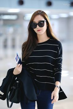Jessica Jung Airport Fashion 150922 2015
