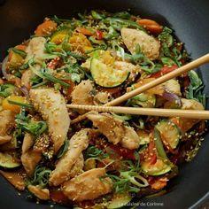 Wok de poulet sauté aux légumes et au sésame