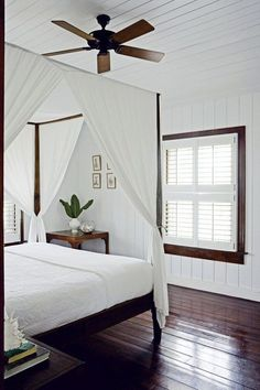 Longtime Bahamas residents, designer India Hicks and her husband, David Flint Wood built a guesthouse on Harbour Island to accommodate their many visitors. The two-story house was conceived by local a (How To Make Curtains Interior Design) British Colonial Decor, Modern Colonial, Colonial House Decor, British Decor, Colonial Decorating, My New Room, Bedroom Decor, Bedroom Beach, Bedroom Ideas