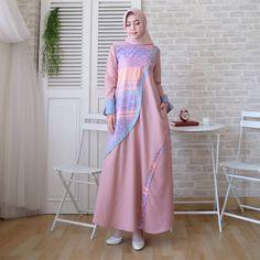 Batik Fashion, Abaya Fashion, Fashion Dresses, Women's Fashion, Dress Batik Kombinasi, Moslem Fashion, Hijab Style Dress, Mother Daughter Fashion, Hijab Fashion Inspiration