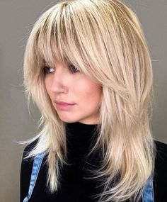 These medium blonde hairstyles prove that being just right doesn't mean being boring. Here are 25 mid-length blonde hairstyles to bring to the salon Medium Shag Haircuts, Shaggy Haircuts, Blonde Haircuts, Blonde Fringe Hairstyles, Medium Length Layered Hairstyles, Weave Hairstyles, Blonde Lob With Bangs, Mid Length Hairstyles, Blonde Hair With Fringe