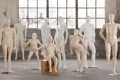 Mükemmeliği nasıl tanımlarsınız? Engelli insanların vücut şekilleri ile mankenler tekrar tasarlanıp mağaza vitrinlerine konuldu. Bu etkiliyeci projenin hikayesini izleyin.