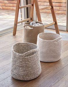 pattern knit crochet home basket spring summer katia 6986 62 g Crochet Diy, Crochet Home, Love Crochet, Beautiful Crochet, Chunky Crochet, Crochet Bags, Knitting Patterns Free, Free Knitting, Crochet Patterns