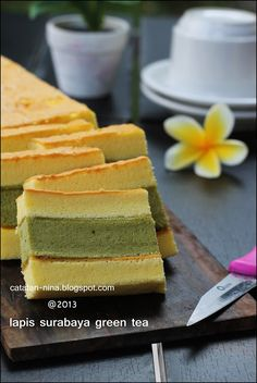 Catatan Nina: LAPIS SURABAYA GREEN TEA