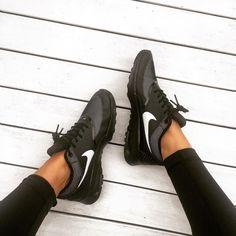 "Lisa Hamilton on Instagram: ""And the #Nike addiction continues ✔️ @stylerunner #seewantshop #airmax"""