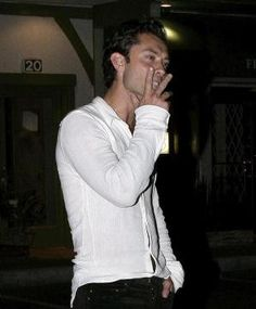 Jude Law - coarse yet sexy