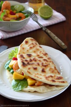 Shrimps and mango piadina