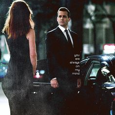 In Suits, one of Manhattan's top corporate lawyers (Gabriel Macht) sets out to recruit a new hotshot associate and hires the only guy that impresses him, a Serie Suits, Suits Tv Series, Suits Show, Suits Tv Shows, Usa Tv Shows, Donna Harvey, Donna Paulsen, Suits Harvey, Suits Quotes