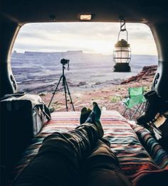 RV And Camping. Great Camping Advice That Will Make The Trip Much Easier. Taking time out to appreciate nature is a great way to spend time with your family or just with yourself. There are many things you should le Jeep Camping, Kombi Motorhome, Rv Campers, Camping Ideas, Camping Hacks, Vw California Beach, Van Living, Jeep Life, Plein Air