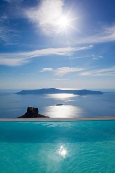 La Maltese hotel infinity pool magnificently perched 250 metres above the waters of the Santorini caldera, Greece ✯ ωнιмѕу ѕαη∂у Places To Travel, Places To See, Travel Destinations, Dream Vacations, Vacation Spots, Disney Vacations, Places Around The World, Around The Worlds, Greece Travel
