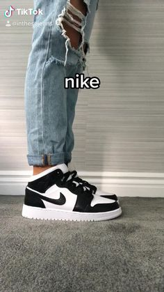 Teen Fashion Outfits, Mode Outfits, Retro Outfits, Trendy Outfits, Classy Outfits, Girl Fashion, All Nike Shoes, Hype Shoes, Buy Shoes