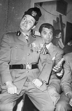 Bob Hope and Cary Grant during the Hollywood Caravan Victory Tour, 1942.