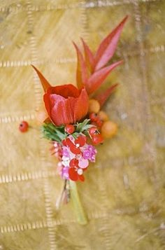 Wedding Ideas: boutonnieres-red-pink