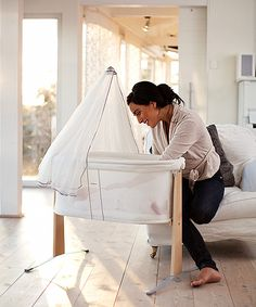 Easy to move around your home - Cradle from BABYBJÖRN
