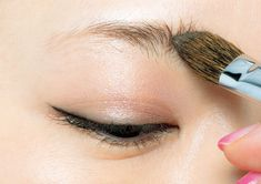 万人共通〝美人になる〟眉メイク!これだけで素敵に見える、超簡単な描き方徹底解説 | andGIRL [アンドガール] Beauty Makeup, Eye Makeup, Hair Beauty, Beauty Hacks, Make Up, Hairstyle, Skin Care, Cosmetics, Eyes
