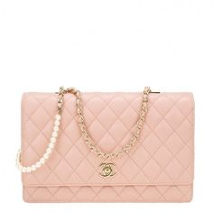 Pre-Owned Chanel Nude Lambskin Fantasy Pearls Large Evening Flap Bag (19,595 SAR) ❤ liked on Polyvore featuring bags, handbags, white crossbody handbags, white crossbody purse, quilted crossbody purse, nude handbags and cross-body handbag